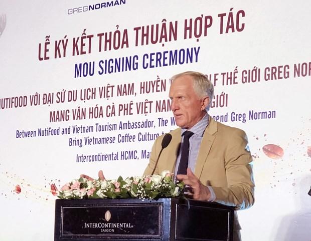越南NutiFood与高尔夫球界传奇人物诺曼合作向世界推介越南咖啡文化 hinh anh 1