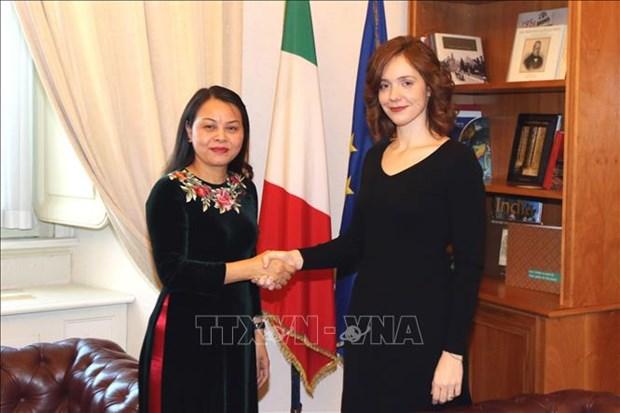 越南与意大利分享性别平等经验 hinh anh 1