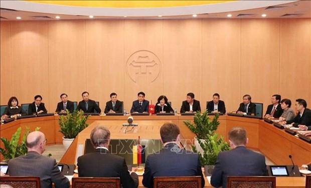河内市愿与德国法兰克福市签署友好合作协议 hinh anh 2