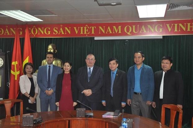 越南工会与比利时工会加强合作 hinh anh 1