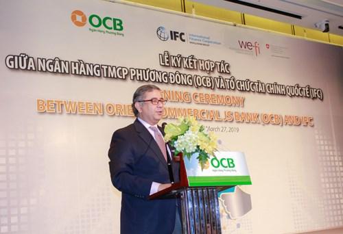 国际金融公司向OCB提供1亿美元的信用贷款 hinh anh 2