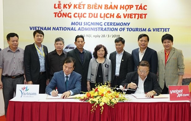越捷航空公司与旅游总局签署关于旅游的合作备忘录 hinh anh 1