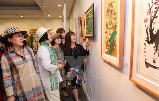 越南与韩国国际美术交流展览会首次亮相河内 hinh anh 1