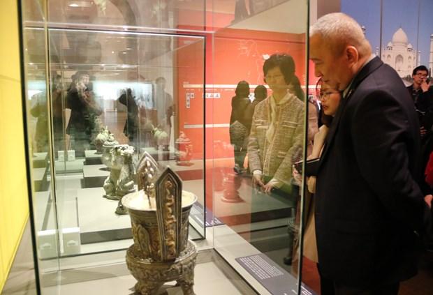 越南文物展在韩国举行 hinh anh 1