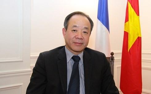 加强越南与法国的友谊与合作 hinh anh 1