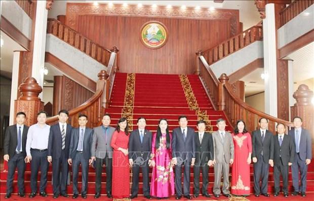 老挝总理高度评价越南永福省与老挝各省的合作成果 hinh anh 2