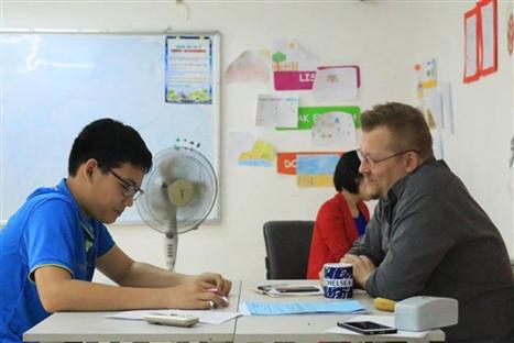 在越南的64%外国人参加强制性社会保险 hinh anh 1