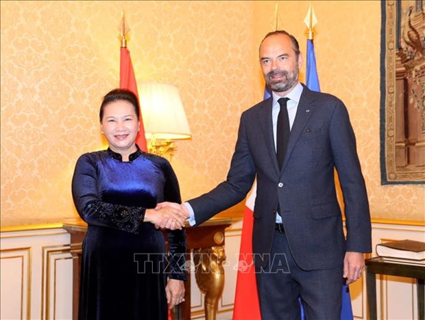 越南国会主席阮氏金银会见法国总理爱德华·菲利普 hinh anh 1