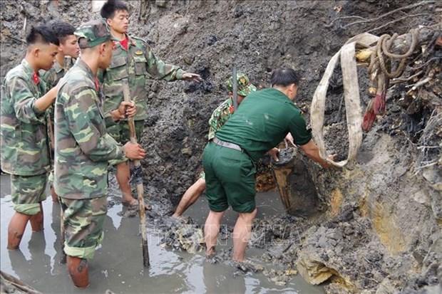 广宁省成功迁移重达230公斤的炸弹 hinh anh 1
