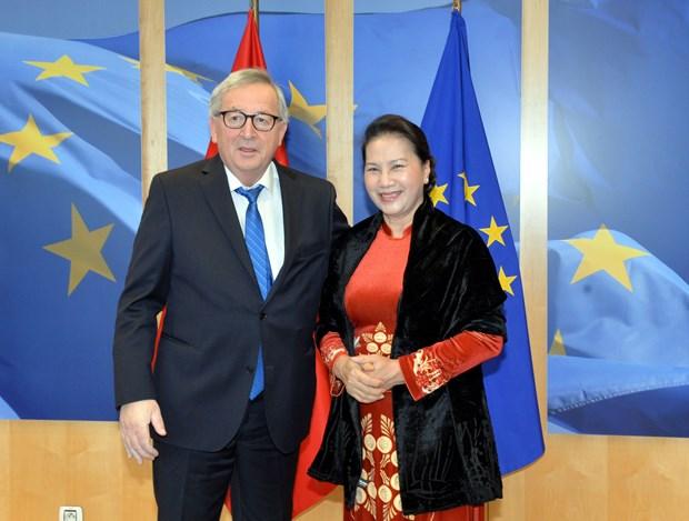 越南国会主席阮氏金银会见欧盟委员会主席让-克洛德·容克 hinh anh 2