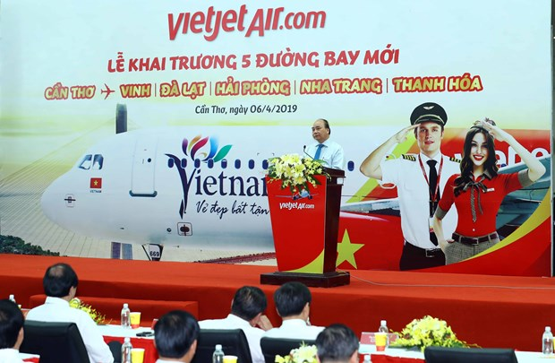 越南政府总理阮春福出席越捷五条新航线开通仪式 hinh anh 2