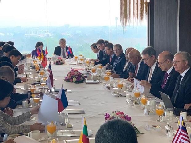 汇丰银行:吸引私人投资 促进东南亚地区可持续基础设施发展 hinh anh 1