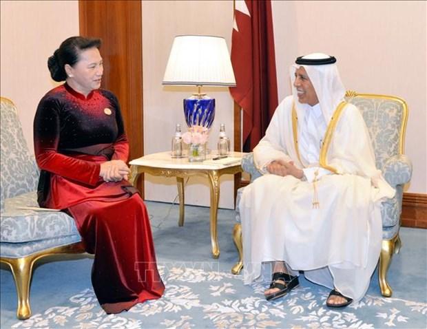 国会主席阮氏金银会见卡塔尔议会议长阿勒马哈茂德 hinh anh 1