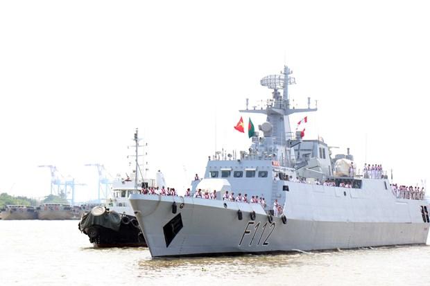 孟加拉国海军护卫舰对胡志明市进行友好访问 hinh anh 2