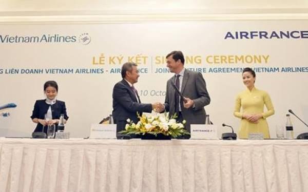 越航与法航合作一周年纪念典礼在巴黎举行 hinh anh 1