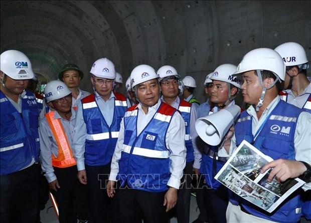 阮春福亲自对胡志明市地铁一号线施工现场进行检查 hinh anh 1