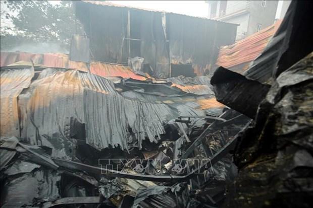 河内四家厂房发生火灾 致8人死亡和失踪 hinh anh 1