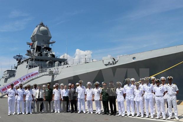 两艘印度海军军舰访问越南 hinh anh 2