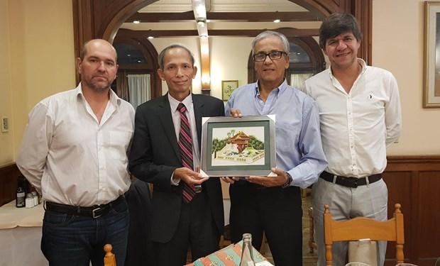 进一步加强越南与乌拉圭友好合作关系 hinh anh 2