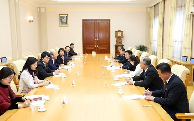 越共中央宣教部副部长武文方对朝鲜进行访问 hinh anh 3