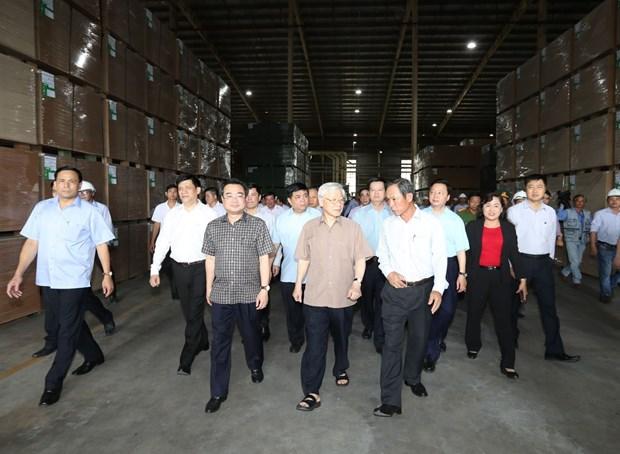 阮富仲:坚江省以经济发展为中心、以党建为核心 实现全面发展 hinh anh 2