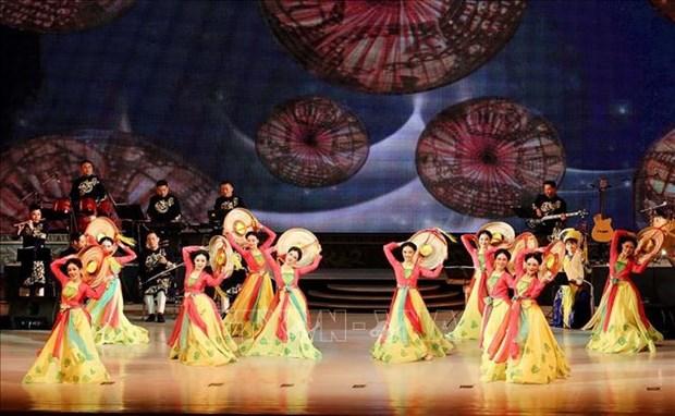 越南国家艺术团在朝鲜进行演出 hinh anh 1
