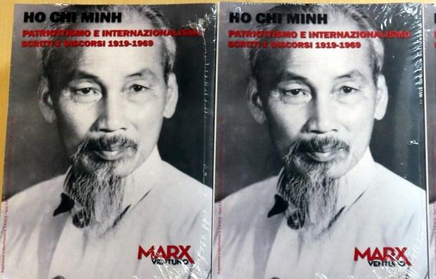 胡志明主席选集意大利文版在意大利罗马出版发行 hinh anh 1