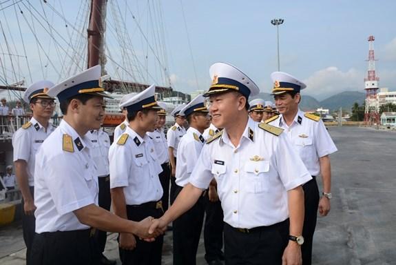 黎贵惇286号帆船起航对印尼与新加坡进行交流访问 hinh anh 1