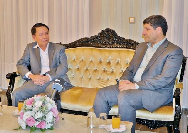 伊朗伊斯兰共和国通讯社社长接受越通社记者采访 hinh anh 1