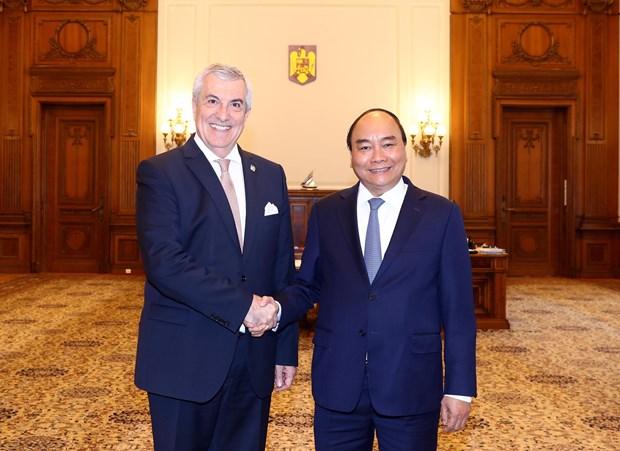 阮春福总理会见罗马尼亚总统克劳斯·约翰尼斯 hinh anh 1
