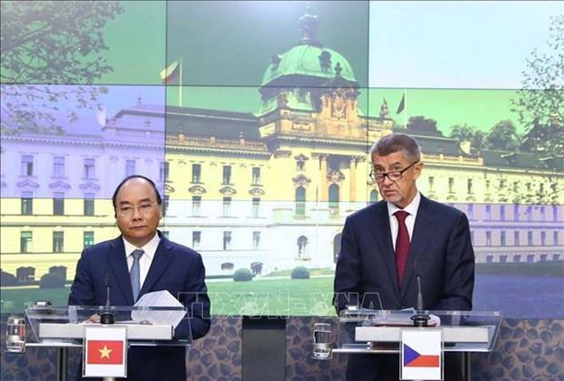 越捷两国总理共同主持记者会 向媒体界通报会谈结果 hinh anh 1