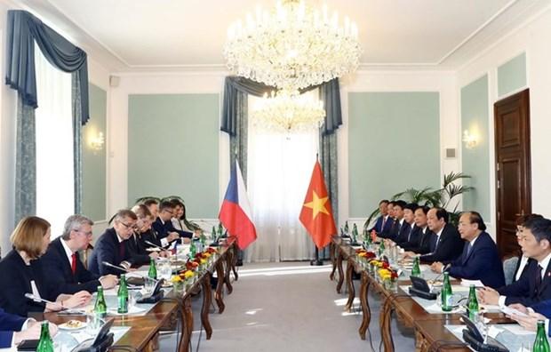 越捷两国总理举行会谈 双方就加深合作达成共识 hinh anh 1