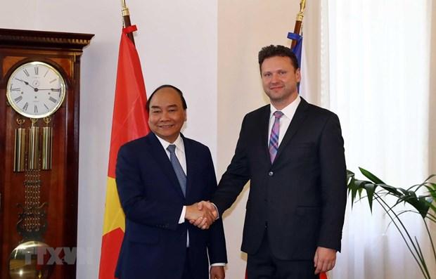阮春福总理建议捷克众议院与越南国会加强立法合作 hinh anh 1