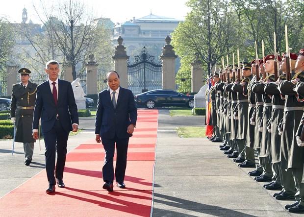 捷克共和国总理主持仪式 欢迎越南政府总理阮春福访问 hinh anh 2