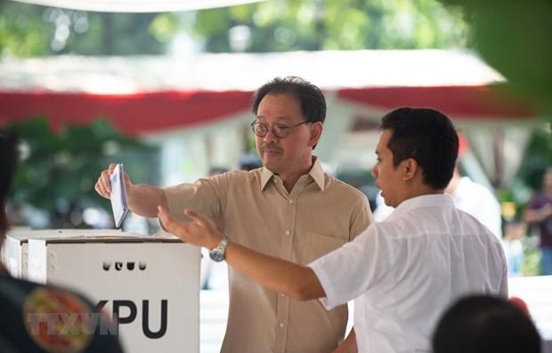 印尼总统选举:现任总统佐科支持率暂时领先 hinh anh 1