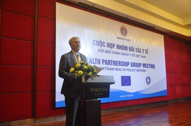 世界卫生组织代表表示:越南已经有效地实施了全民健康保险计划 hinh anh 2