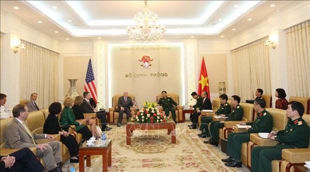 美国参议员代表团对越南进行工作访问 hinh anh 2
