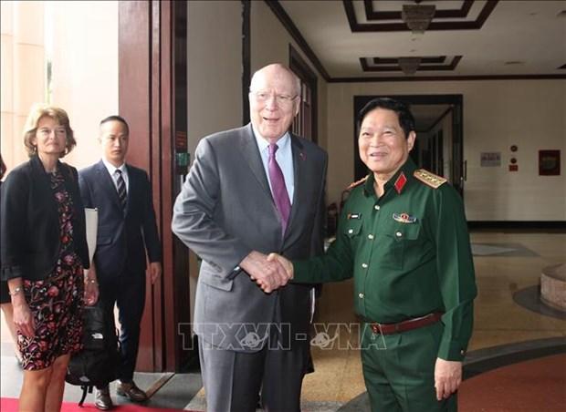 美国参议员代表团对越南进行工作访问 hinh anh 1