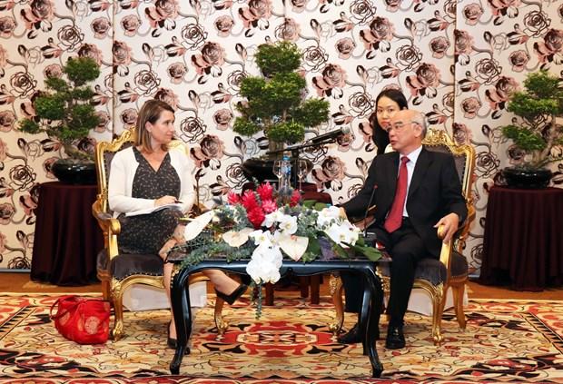 美国国会议员助理代表团访问胡志明市 hinh anh 2