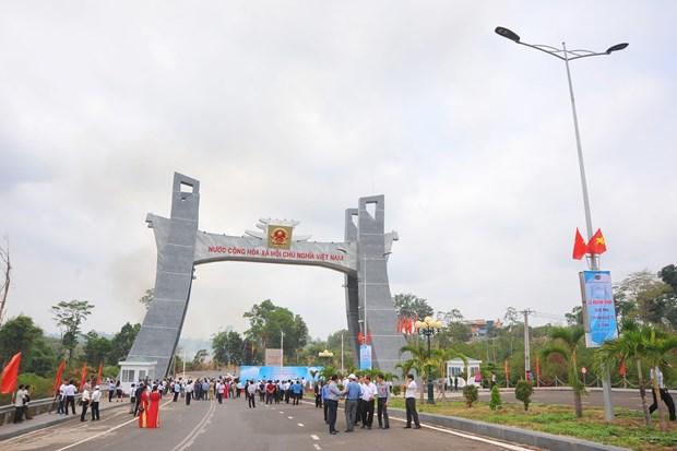 嘉莱省德机县丽清国际口岸正式开通 助力外交活动与贸易往来 hinh anh 2