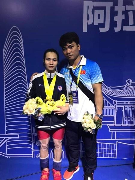 2019年亚洲举重锦标赛: 越南选手王氏玄夺得三金 hinh anh 2