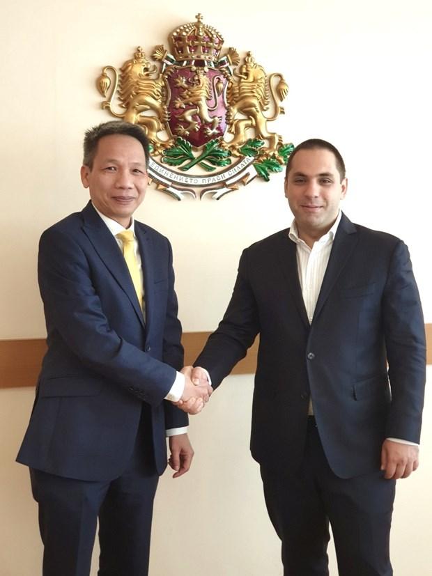 保加利亚经济部长会见越南驻保大使段俊灵 hinh anh 1