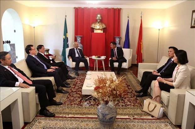 巴西副总统汉密尔顿·穆拉奥会见越南国会副主席汪周刘 hinh anh 2