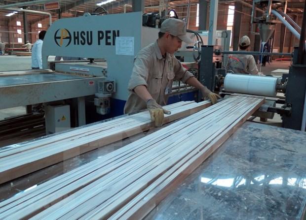今年前4月林产品和木制品出口额增长近18% hinh anh 1