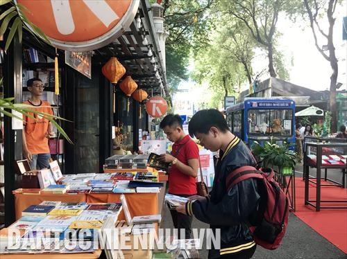 比利时向越南读者介绍该国文学精品 hinh anh 2