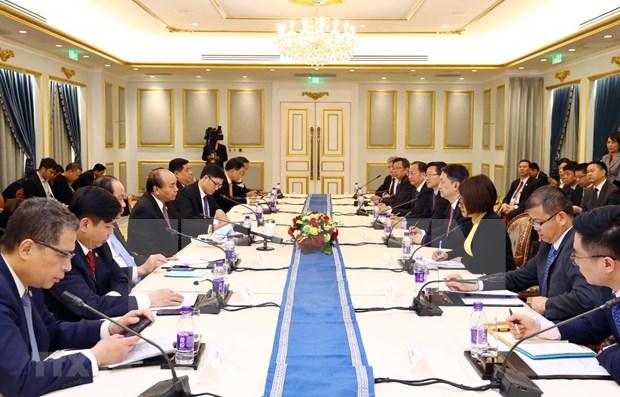 越南政府总理阮春福会见中国领先企业代表 hinh anh 1