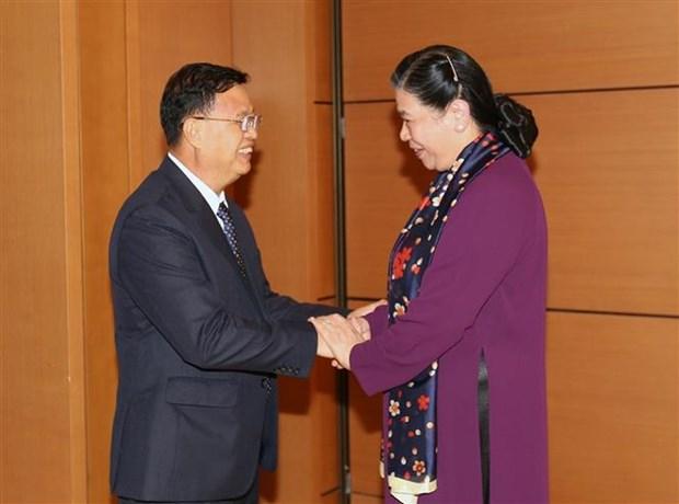越南国会副主席丛氏放与老挝国会副主席宋潘·平坎米举行会谈 hinh anh 2