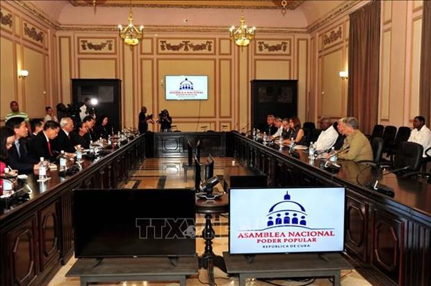 越南国会与古巴国会承诺促进传统合作关系 hinh anh 1