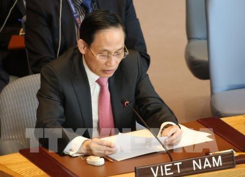 """阮春福出席第二届""""一带一路""""国际合作高峰论坛之行致力于促进越南与中国以及各发展伙伴的关系 hinh anh 1"""
