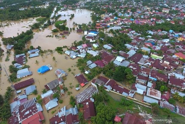 印度尼西亚明古鲁省发生严重水灾 至少18人死亡和失踪 hinh anh 1